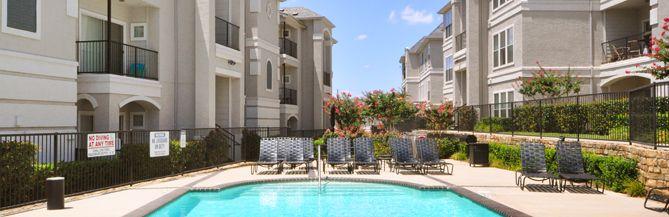 972 820 5900 1 2 Bedroom 1 2 Bath Vail Quarters 3900 Briargrove Lane Dallas Tx 75287 Townhomes For Rent Dallas Apartment Townhouse