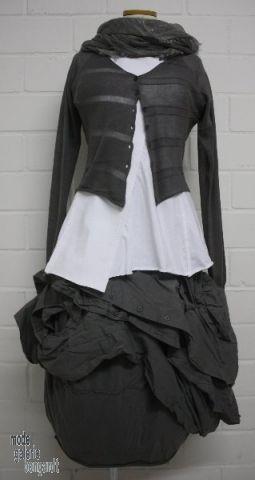 """www.modegalerie-bongardt.de - rundholz mode, rundholz black label, rundholz dip Rundholz black label Sommer 2014 asym. Ballonrock mit """"Bluse..."""