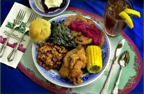 Fried Chicken at the Blue Willow Inn in Social Circle, #Georgia!: Food Recipes, Fries Chicken, Favorite Places, Collard Green Recipes, Collard Greens, Inn Collard, Georgia Food, Willow Inn, Blue Willow