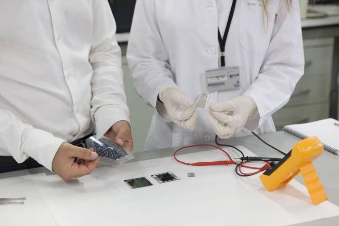 La UJI participa en un proyecto europeo de nanotecnología para diseñar materiales fotovoltaicos menos tóxicos