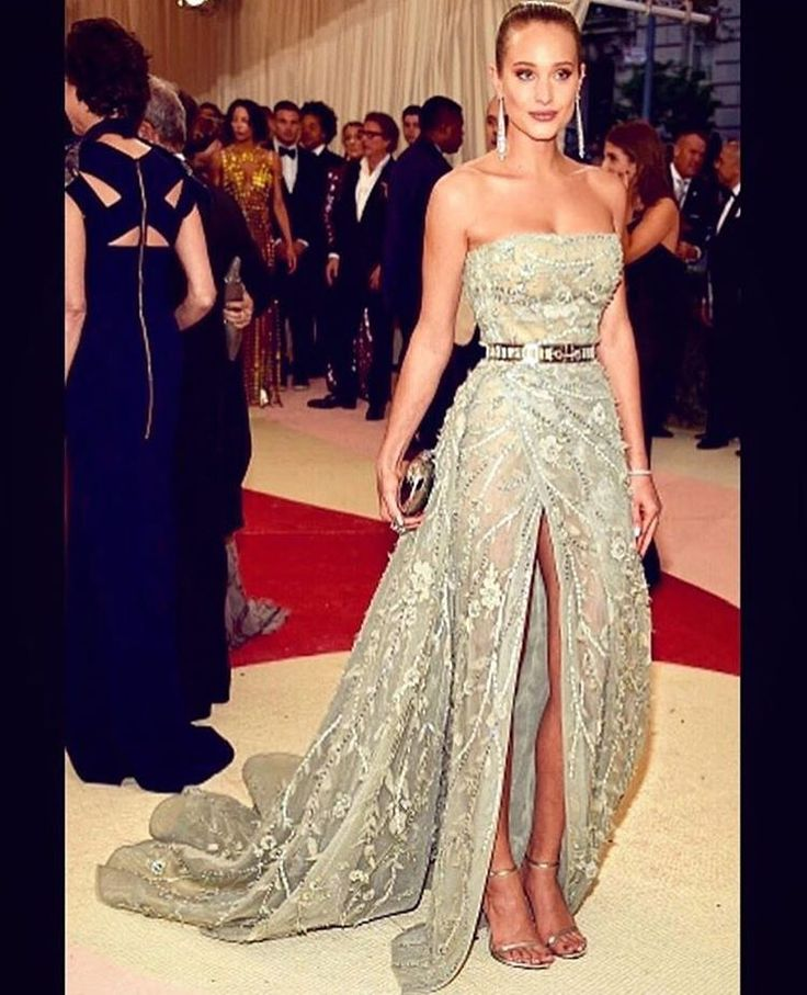 """Zuhair Murad Official on Instagram: """"Hannah Davis wore #ZuhairMurad #Couture to the Metropolitain Museum of Art Costume Institute Gala """"Manus x Machina: Fashion in An Age of Technology."""" She was perfection in our bustier envelope dress in fern green with a high slit, overlayed with a tulle skirt embroidered with glimmering twigs and leaves accented with a metal grid belt from the #SpringSummer16 #Couture Collection."""""""