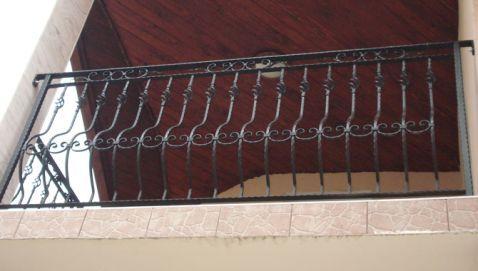 S.C. FLY - FOX S.R.L. - Modele balustrade, scari si balcoane din fier forjat - Model: 77BSB207 - Confecţionăm la comandă porţi, garduri, balustrade, scări. Societatea noastă stă la dispoziţia micilor întreprinzători sau a revânzătorilor prin fabricarea de elemente din Fier Forjat sau amprentarea de ...