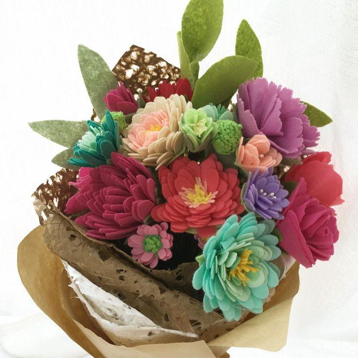 318 best Felt flowers bouquet images on Pinterest | Felt flower ...