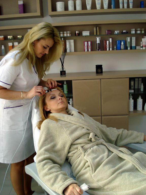 Mezoterapia este o terapie inovatoare care inlocuieste injectarea in straturile pielii a unor substante active pentru tratarea afectiunilor specifice.