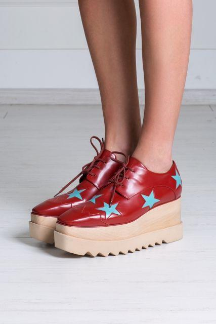 Ботинки на платформе Stella McCartney - Украшать различными принтами и рисунками одежду и аксессуары – тренд последнего десятилетия в интернет-магазине модной дизайнерской и брендовой одежды
