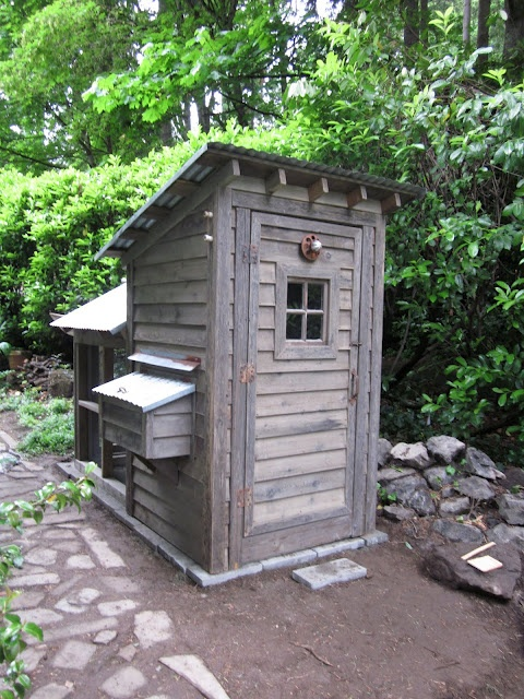 17 best images about chicken coop on pinterest chicken for Cool chicken coop plans