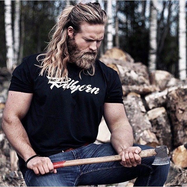 Long Haired Guys - bearditorium: Lasse