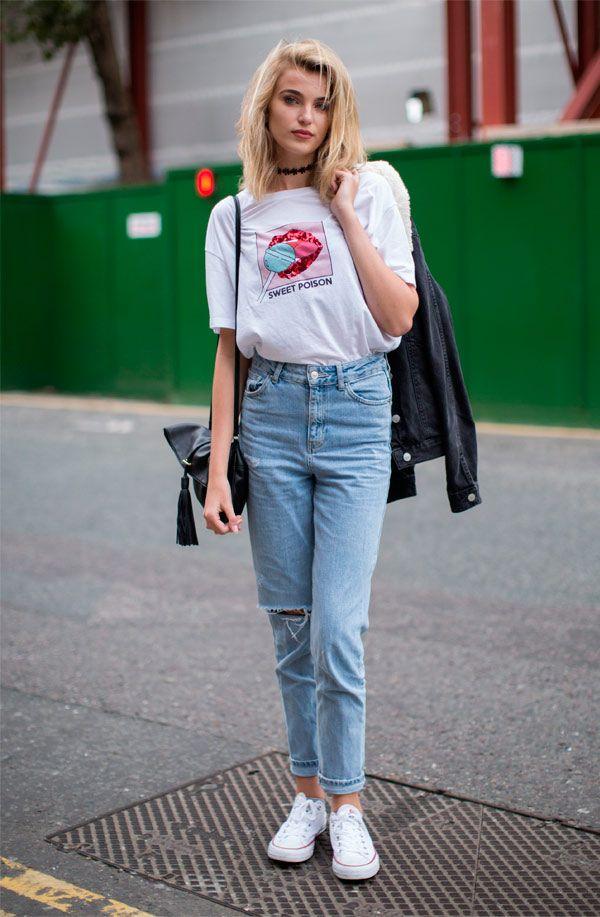 2487b2c4cf It Girl - calca-mom-jeans-camiseta-branca-estampa - camiseta - Meia Estação  - Street Style