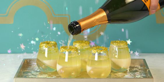 You NEED These Champagne Jell-O Shots for New Year's Eve - Cosmopolitan.com