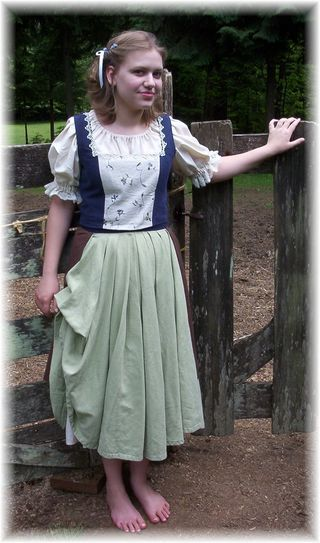 17 Best images about Female Hobbit Costume on Pinterest ...