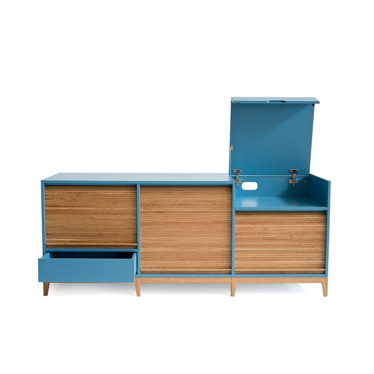 La dispensa tapparella è uno splendido mobile che riprende la tradizionale tecnica dei mobili da ufficio a tapparella, ora non piu