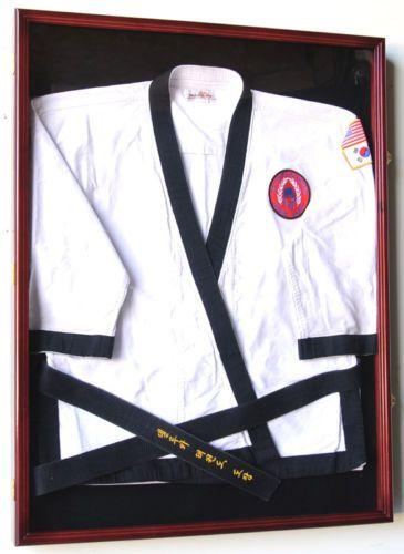 Karate-Martial-Arts-Belt-Uniform-Jersey-Display-Case-L