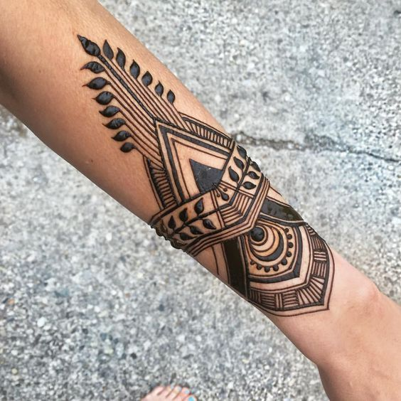 UNIQUE HENNA TATTOOS BECOME THE TREND IN SUMMER – Page 69 of 71