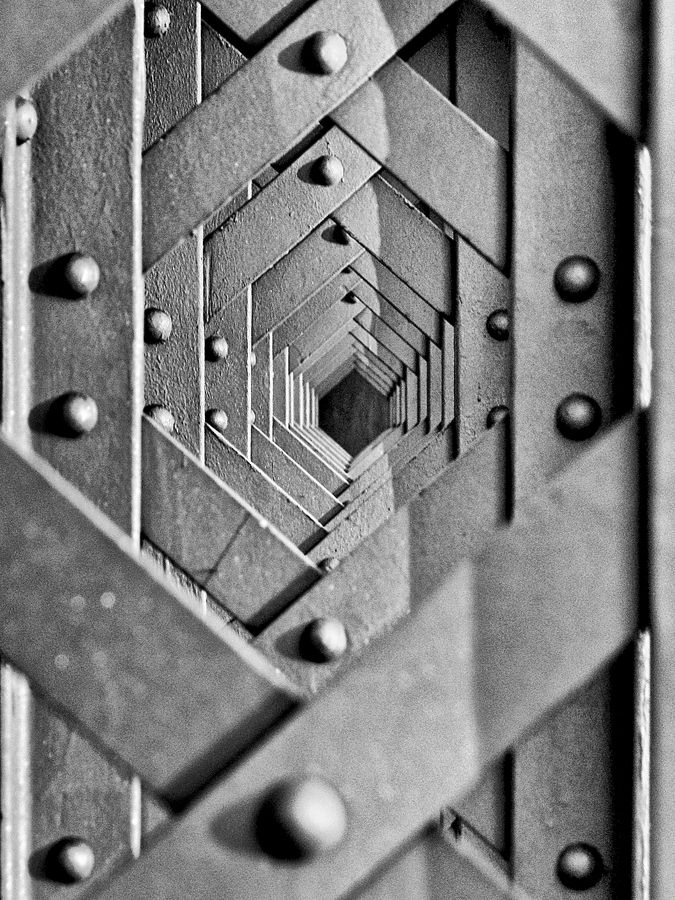 vanishing point by Sebastian Kwiatek, via 500px