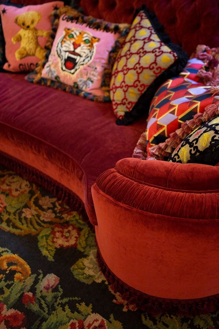 Gucci Décor Photography by Mary Gaudin Cushion Inspiration, Home Decor Inspiration, Gucci, Curved Sofa, Dream Apartment, Velvet Cushions, Eclectic Decor, Dream Decor, Inspired Homes