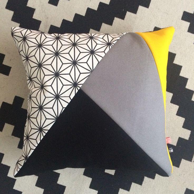 Een persoonlijke favoriet uit mijn Etsy shop https://www.etsy.com/nl/listing/479002244/handgemaakt-kussen-kussenhoes-van