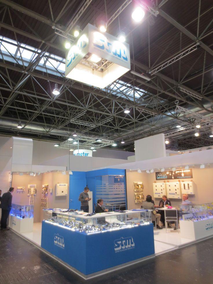 MEDICA - Messe Düsseldorf. STM. Ricerca, analisi, promozione e comunicazione. Progettazione e realizzazione dell'allestimento dello stand. Photo by honegger