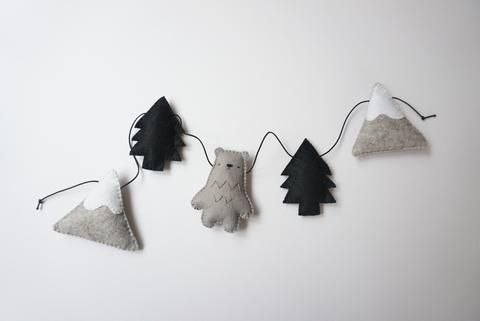 Mountain Bear Garland