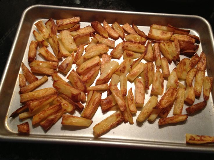 Rosie's slimming world syn free chips peel & cut up potato into chips. part boil potatoes. Drain the water & shake up chips. Dry them off on kitchen paper. Spray a flat cooking tray with fry light. Pop chips on tray. Another spray of fry light. Shake of salt if you want & cook in oven. I tend to wing it with how long I cook them for. When I feel they look done I bring them out of the oven. Yummers!!!!
