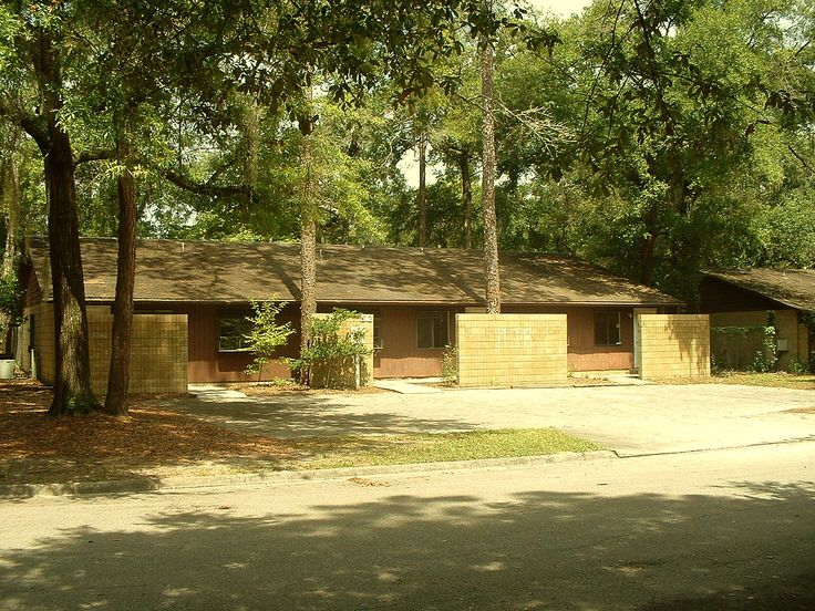 11 best for lease commercial building gainesville for Residential lease for apartment or unit in multi family