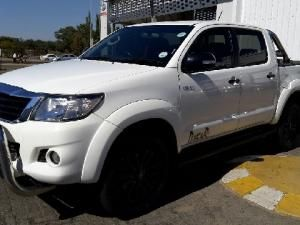 Toyota Hilux 4.0 V6 double cab Raider Legend 45 - Image 1