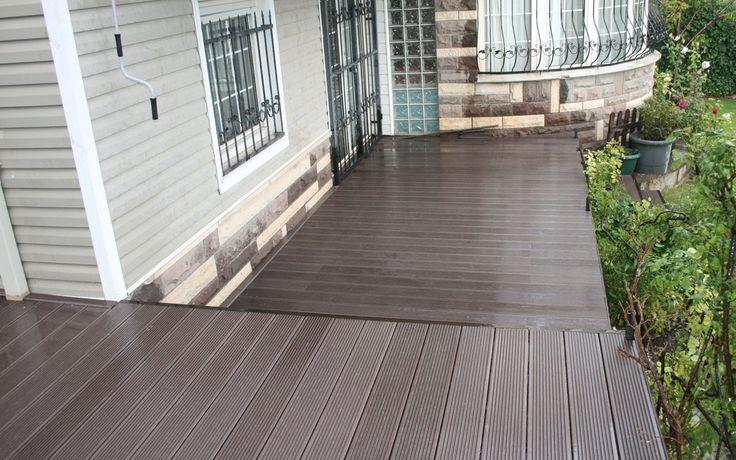 Yürüyüş yolları ve bahçelerde olduğu gibi verandalarda da Pimawood Ahşap Kompozit ürünlerini rahatlıkla kullanabilir, mekanlarınıza estetik bir hava katabilirsiniz.
