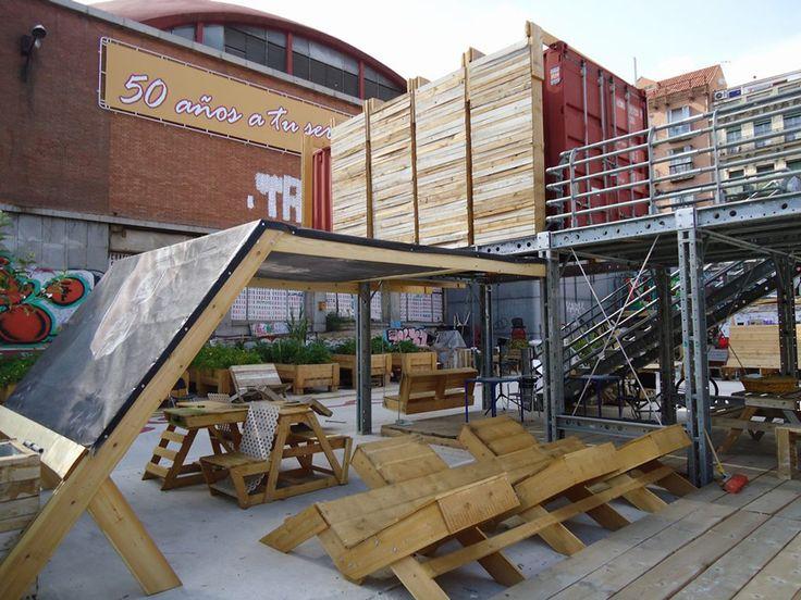 Construido en Madrid, esta intervención temporal del colectivo 'Todo por la praxis' pone a prueba la influencia de la arquitectura en lo social.