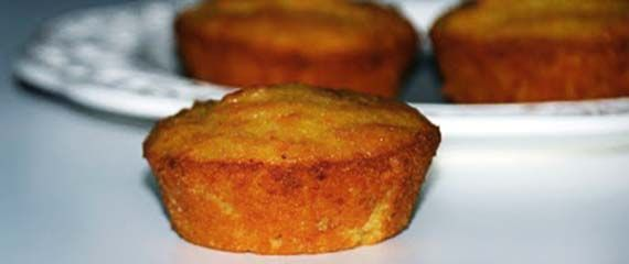 """Mini carrot cakes... tortine di carote! Una ricetta light dal blog """"La via delle spezie"""", ideale a colazione per cominciare la giornata con gusto senza appesantirsi"""