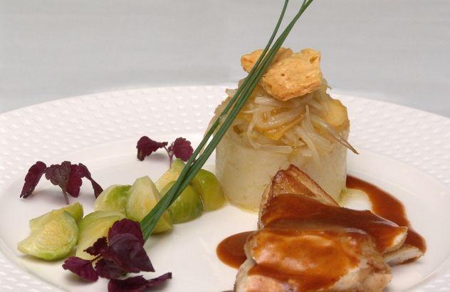 Filet van Mechelse koekoek, stamppotje van witloof, Grimbergse kaas en spruiten