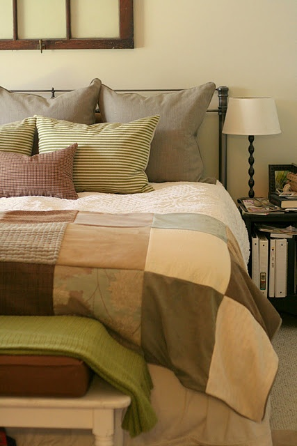 """Love this footwarmer quilt at the end of the bed....simplicity!  I believe the dimensions of the footwarmer is 48"""" x 98""""?  Must check."""