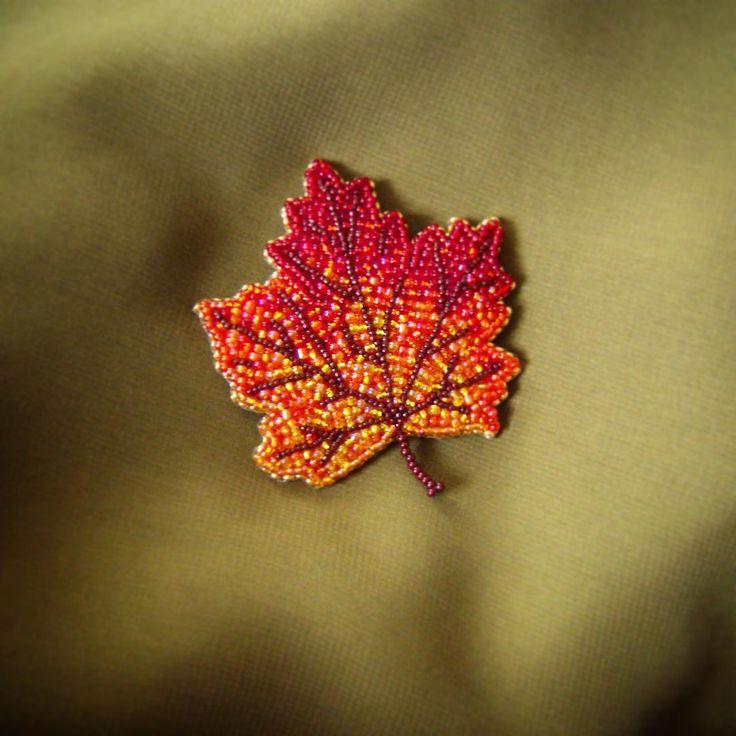 Брошь из бисера на фетре своими руками схемы шаблоны кленовый лист, юля прикольные