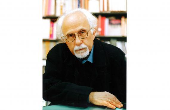 """Πρόδρομος Μάρκογλου: """"H συμβουλή μου στους νέους και επίδοξους συγγραφείς είναι...να διαβάζουν, να σκέπτονται, να γράφουν και να σκίζουν μέχρι να φτάσουν σε κάτι ουσιώδες που θα τους συγκλονίζει και θα τους λυτρώνει""""  Συνέντευξη στον Ελπιδοφόρο Ιντζέμπελη //  #book #interview #writer #reading #novel #novelist http://fractalart.gr/prodromos-markoglou/"""