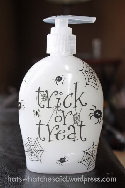 207 best Halloween: Bathroom Decor images on Pinterest | Halloween ...