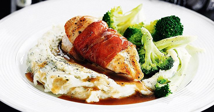 Looking for a healthy alternative to a Sunday Roast? Indulge in this low-fat chicken delight