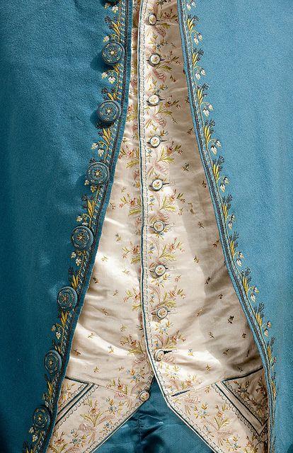 Detail front view, 3-piece suit, 18th century.