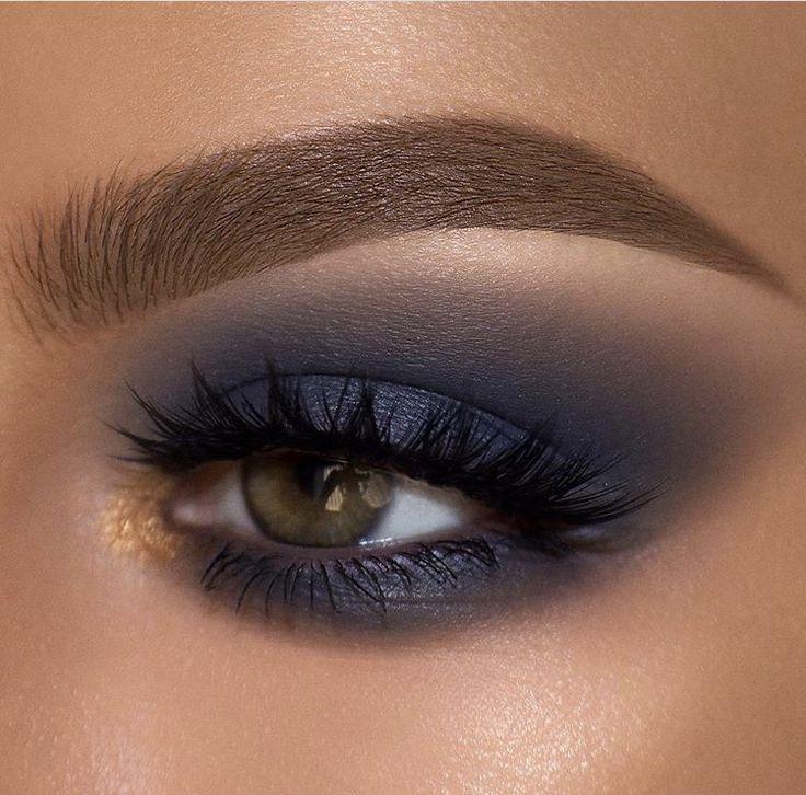 Navy blue smokey eye makeup with pop of gold   Navy eye ...