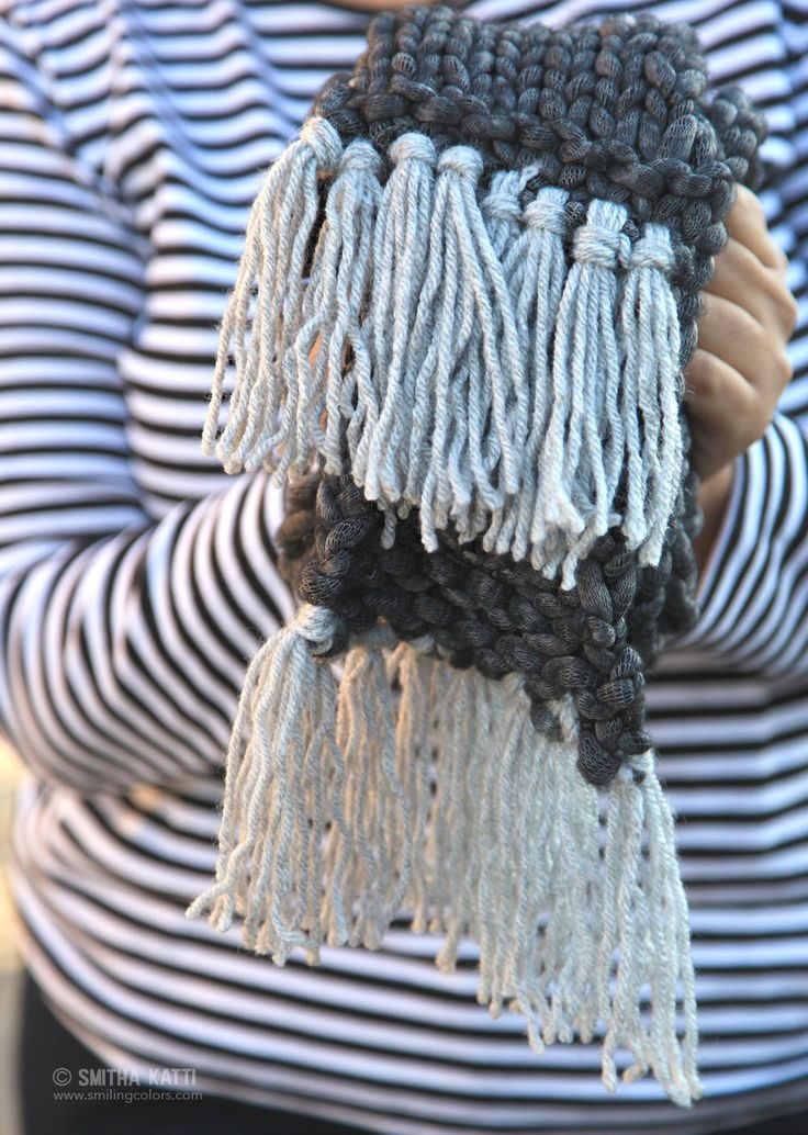 A Quick Knit Scarf with Free Pattern Included that you can make within an hour! An easy handmade gift idea for the holiday season!