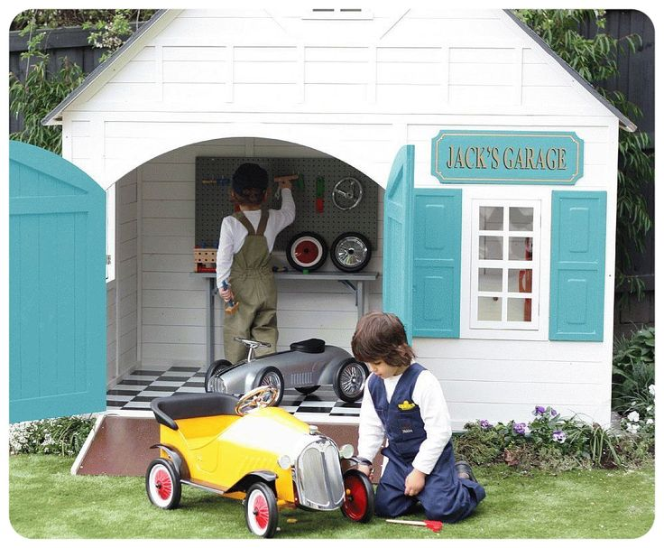 boys playhouse ♥ omg, too cute! Great for Drew when he gets a little older.