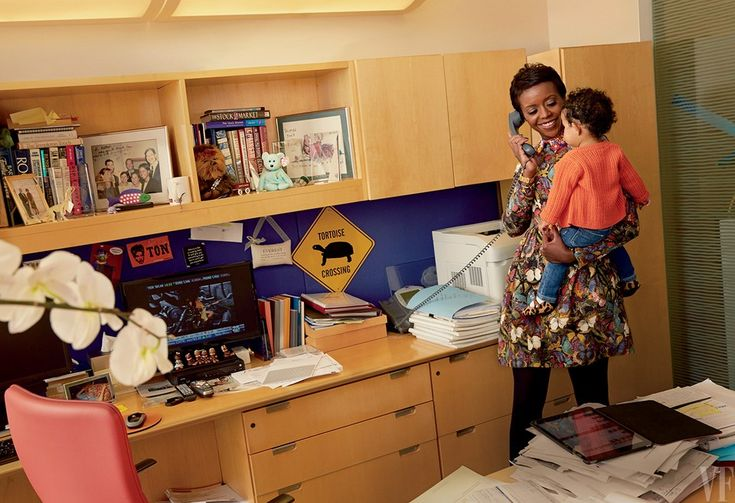 """Mellody Hobson with her daughter, Everest, at Ariel Investments, in Chicago. """"She's not a networker,"""" says economist and author Dambisa Moyo. """"She's a magnet."""" photo by Annie Leibovitz for Vanity Fair March 2015"""