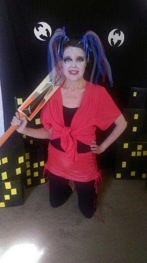 Superhero villain costume harley quinn