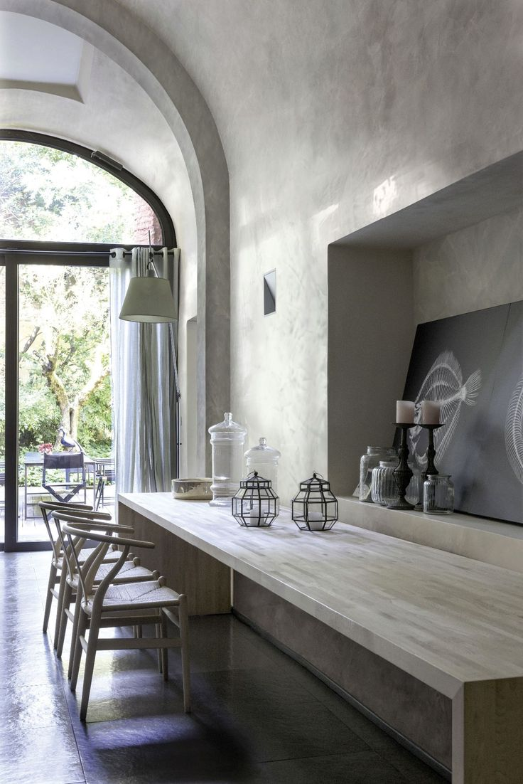 Modern style with stucco veneziano