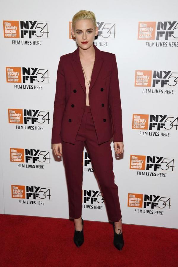 Foto: Gaya Kristen Stewart yang Makin Maskulin dengan Jas & Rambut Pirang