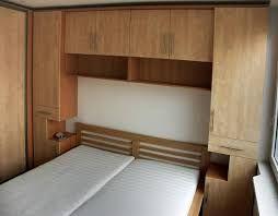 Výsledek obrázku pro úložné prostory v malé ložnici