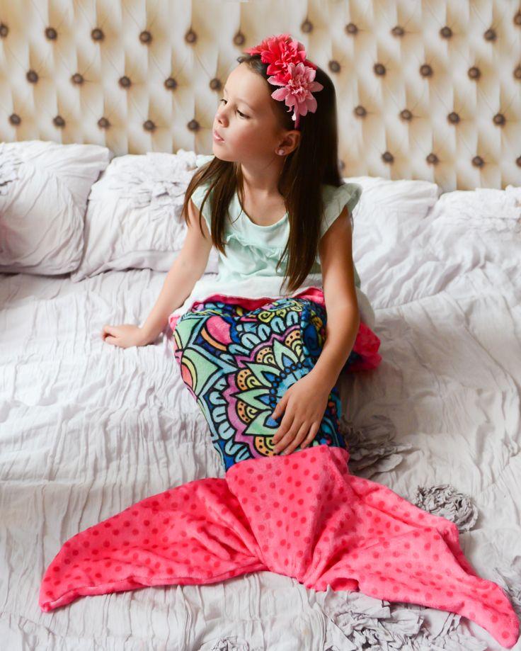 Frazada Mermaids Zentangle Pink. Hermosa y suave frazada con diseño exclusivo de Dani Hoyos, famosa artista mexicana de Zentangle Art, que te hará lucir como una autentica sirena.