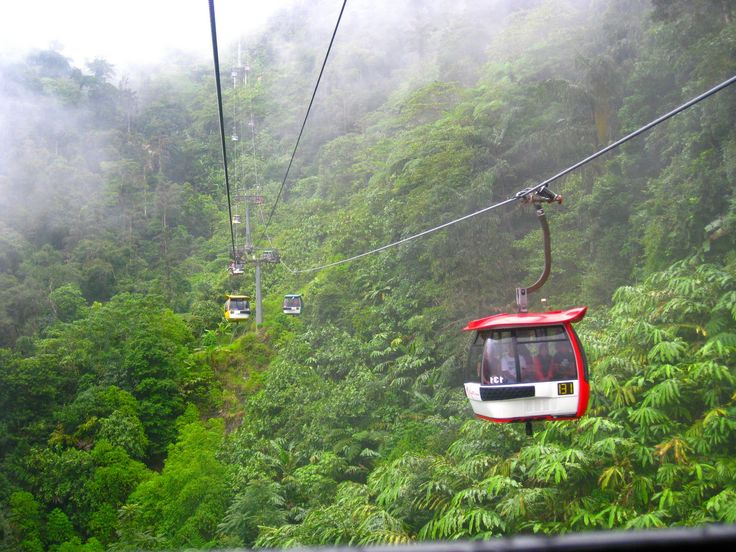 This Genting highlands skyway cable car is a great way to get to the Genting highlands.