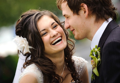 Getting married? Just Married?   Pin your fav wedding photo here