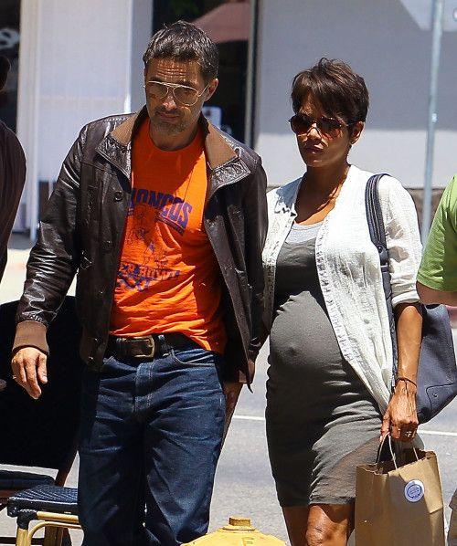 Halle Berry: Lunching With Her Husband