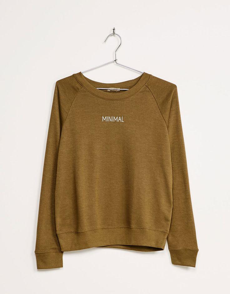 Jersey BSK felpa textos. Descubre ésta y muchas otras prendas en Bershka con nuevos productos cada semana
