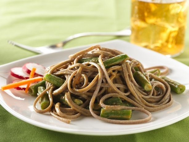 Soba noodle salad with peanut sauce - pinned mainly for the sauce recipe