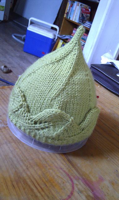 Baby Hat with Leaf Edging - Makes baby look like tree elf - pattern by Lauren Eade